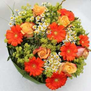 Blumenstrauß orange weiß