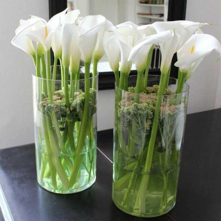 Blumen- Dekoration mit Calla - Blüten A