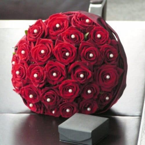 Brautstrauß mit roten Rosen und Perlen - Standesamt Düsseldorf