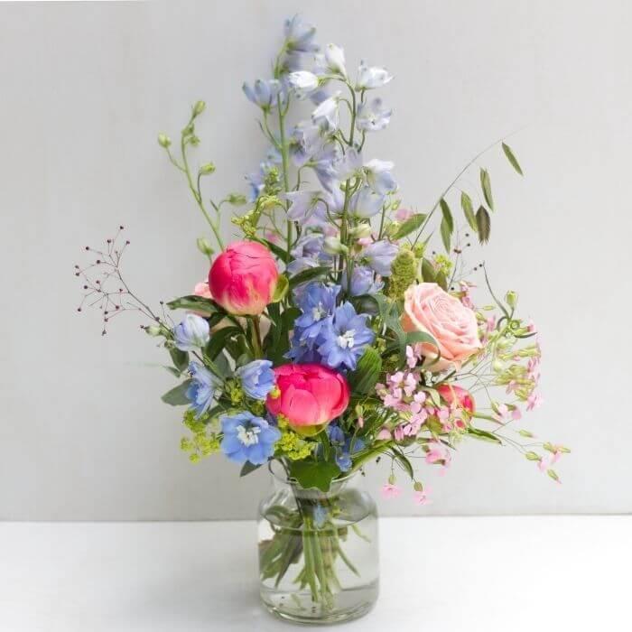 blau rosa Sommerblumenstrauß Style